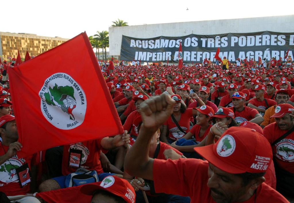 O desmando não tem limites no Poder Público brasileiro: turma exclusiva do MST no curso de Direito da UFPR. Fachin concorda?